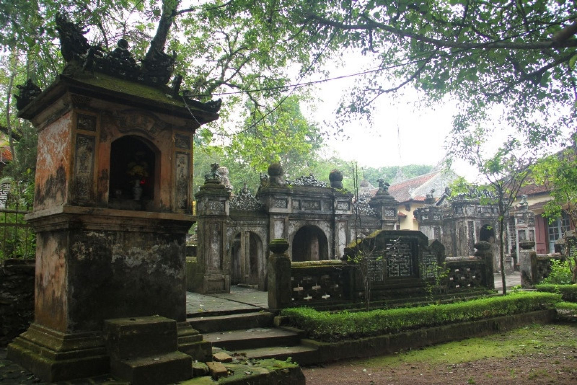 Buddhist Tour in Hue