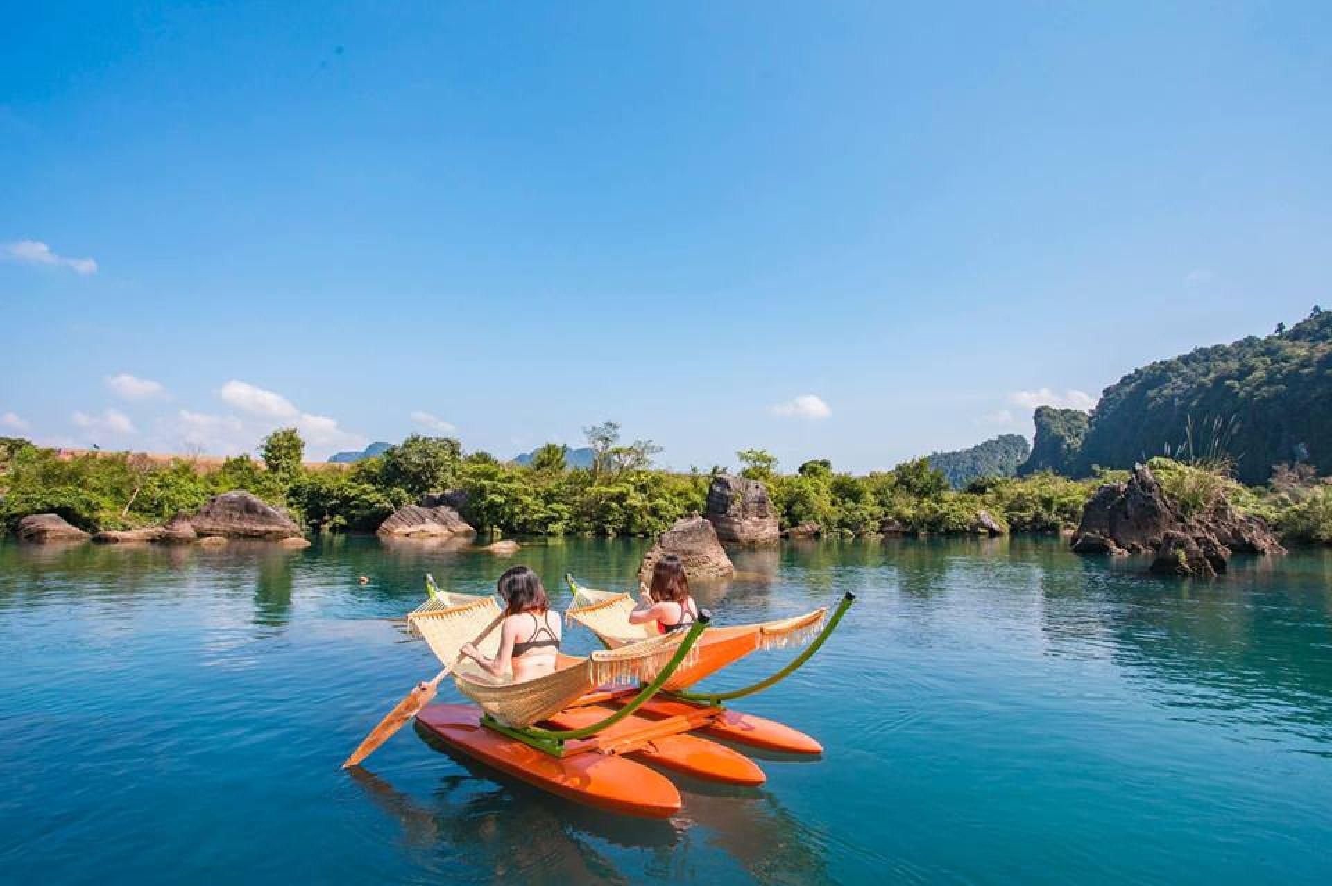 Khám phá rừng quốc gia Bạch Mã, trải nghiệm lái xe Jeep và lặn ngắm san hô Đảo Ngọc