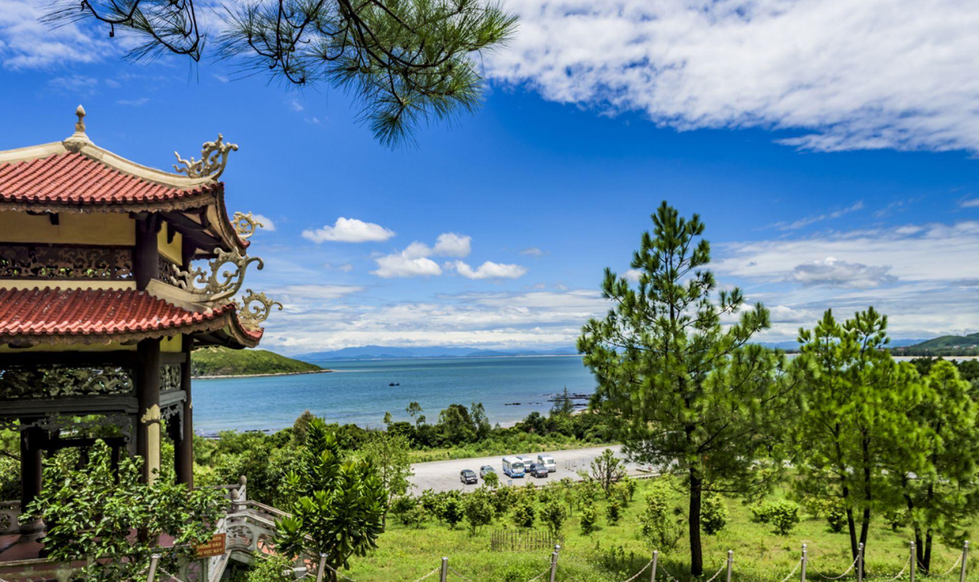 Vũng Chùa - Đảo Yến - Sông Chày Hang Tối